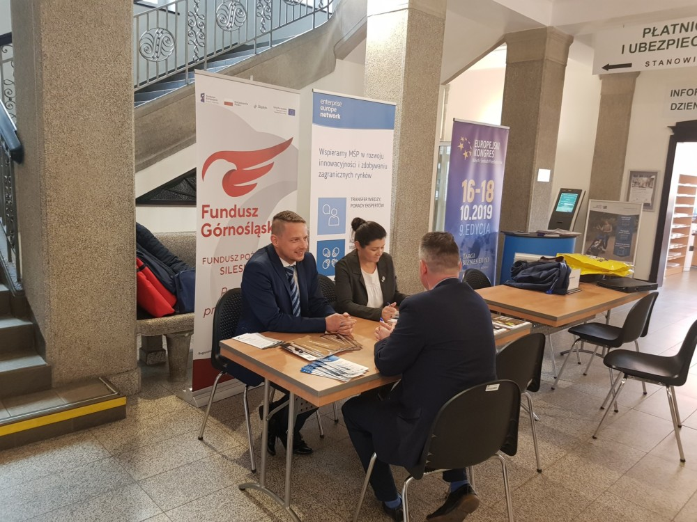 Tydzień Przedsiębiorcy organizowany przezZakład Ubezpieczeń wChorzowie.
